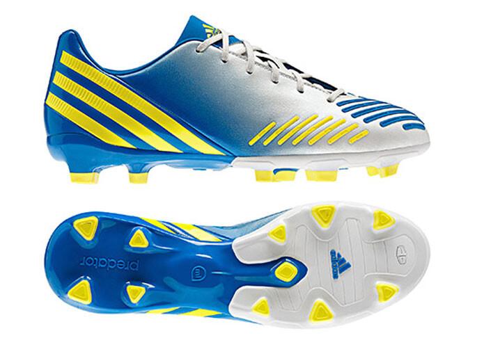 ¿Torres cambia Nike por Adidas?