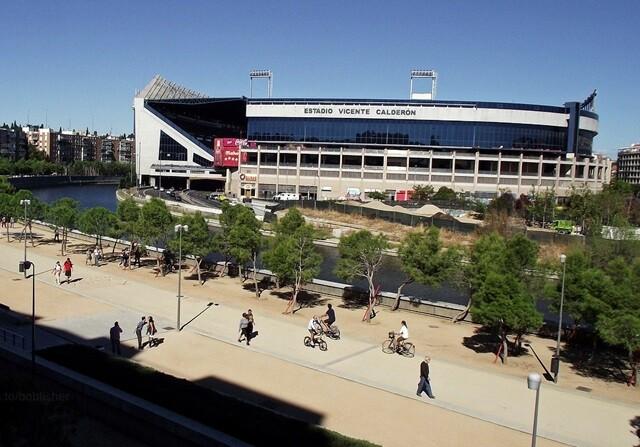 Un aficionado muerto tras una pelea entre radicales del Atlético y Deportivo