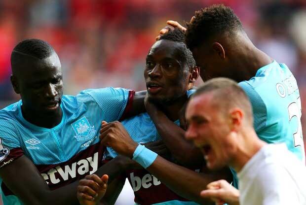 Un aficionado del West Ham se tatúa la victoria ante el Liverpool