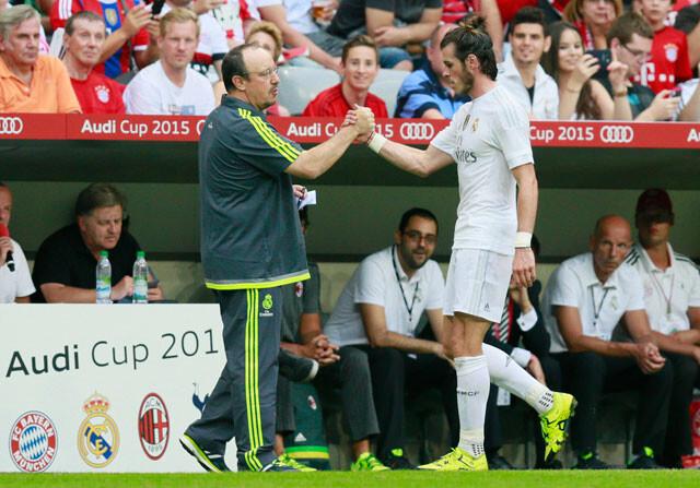 Rafa Benítez, la posición de Bale y la fábula del hombre, el niño y el burro