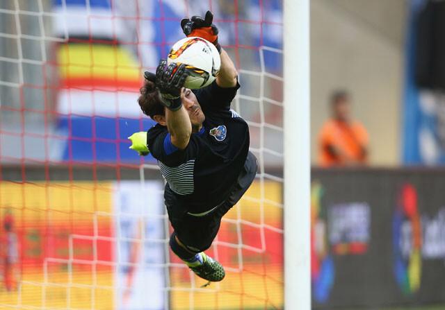 Casillas recobra la confianza en el Oporto