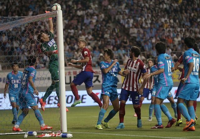 El Atlético se deja sorprender por el Sagan Tosu