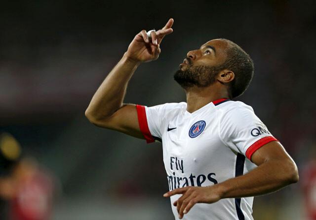 Lucas Moura celebra su gol al Lille