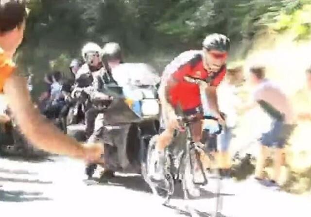 Greg Van Avermaet, arrollado por una moto en San Sebastián