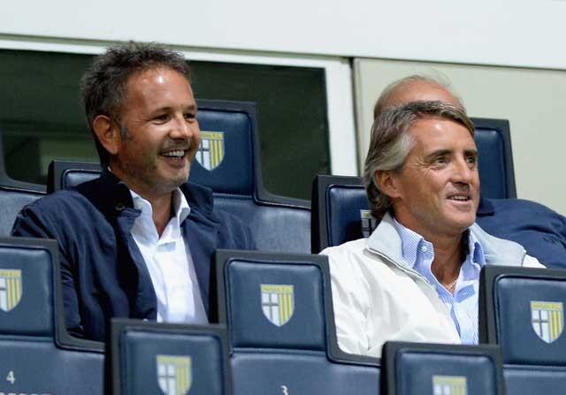 Mihailovic y Mancini en la grada