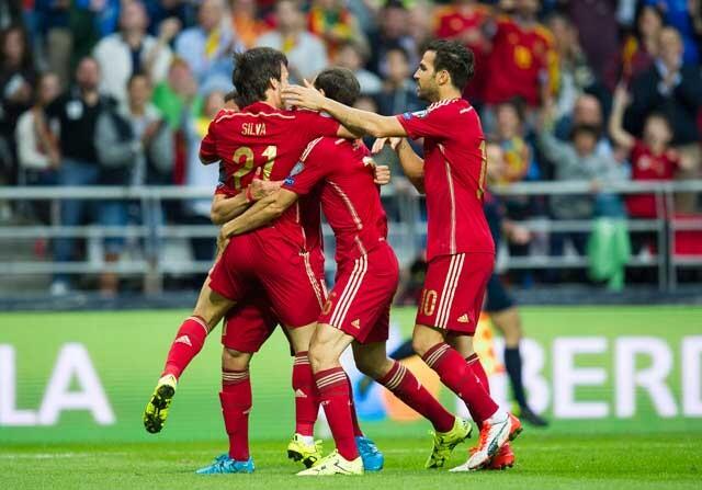 Selección española celebrando un gol