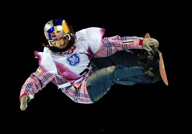 Queralt Castellet compite en snowboard
