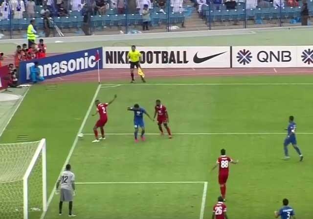 Penalti absurdo por una mano de un jugador del Al Ahli
