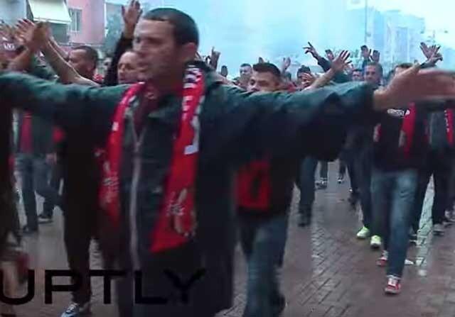 Tensión entre los aficionados de Serbia y Albania