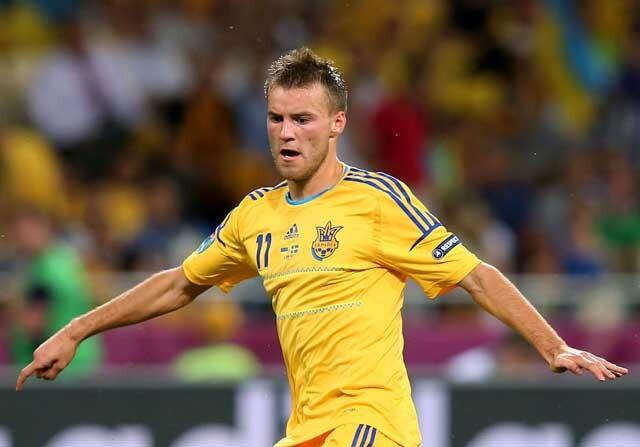 Andryi Yarmolenko jugando con la Selección Ucraniana