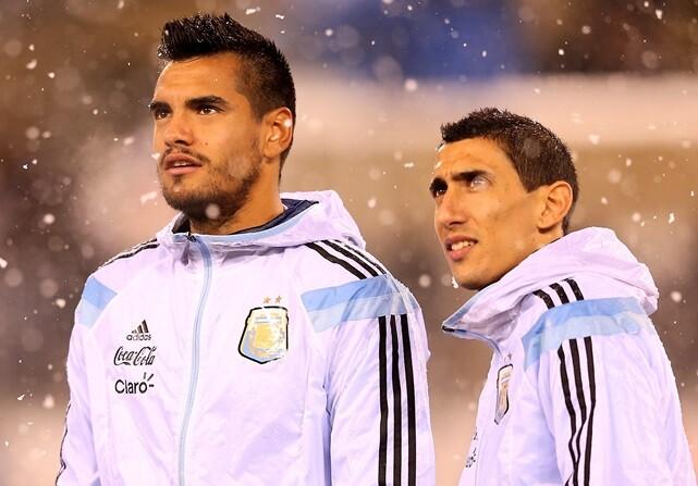 Argentina sufre sin Messi ante Ecuador