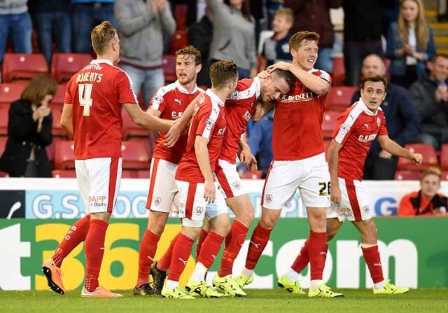 El Barnsley festeja un gol en el Oakwell Stadium