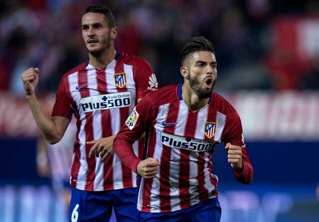 Yannick Ferreira-Carrasco celebra un gol con el Atlético de Madrid