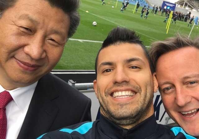 Kun Agüero, junto a David Cameron y Xi Jinping
