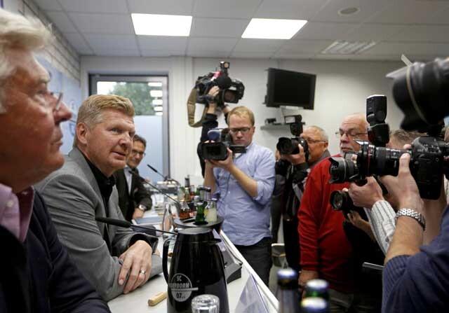 Stefan Effenberg presentado como entrenador del Paderborn