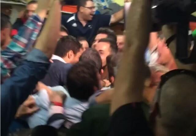 El Vilanovense celebra que le toque el Barcelona