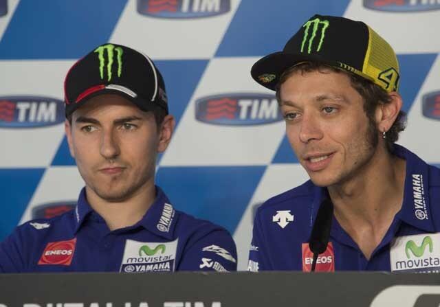 Jorge Lorenzo y Valentino Rossi en rueda de prensa