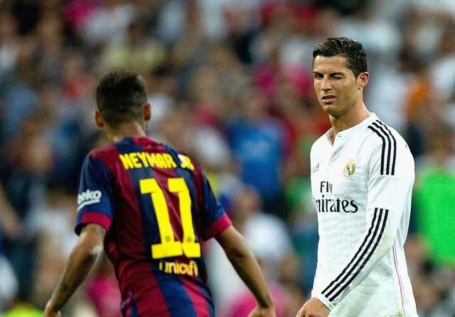 Neymar y Cristiano durante un Clásico
