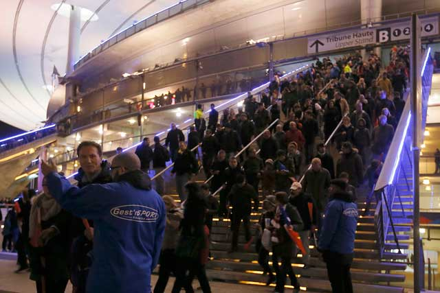 La salida del público del Stade de France