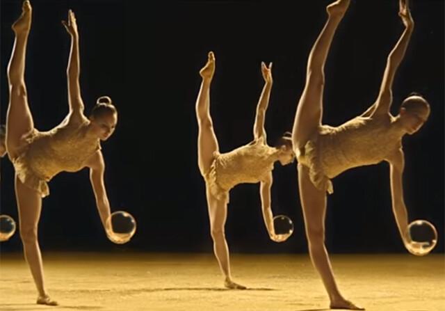 El equipo de gimnasia rítmica, nuevas burbujas de Freixenet