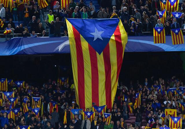 Fuerte pitada al himno de la Champions League en el Camp Nou