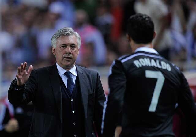 Cristiano Ronaldo saluda a Carlo Ancelotti