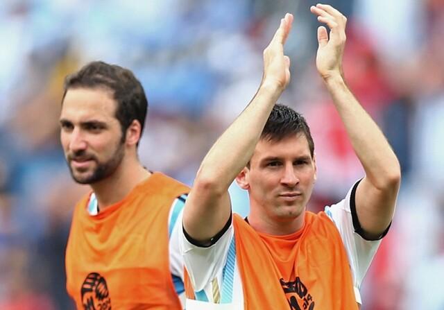 Higuain Messi
