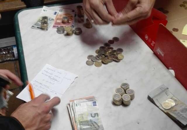 La plantilla del Huracán Valencia paga al árbitro de su bolsillo