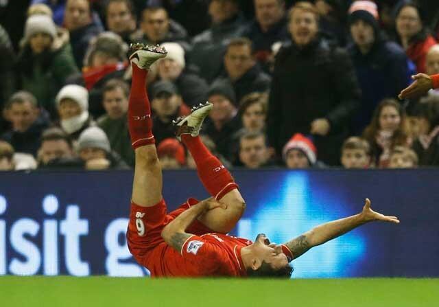 Dejan Lovren lesionado en el Liverpool