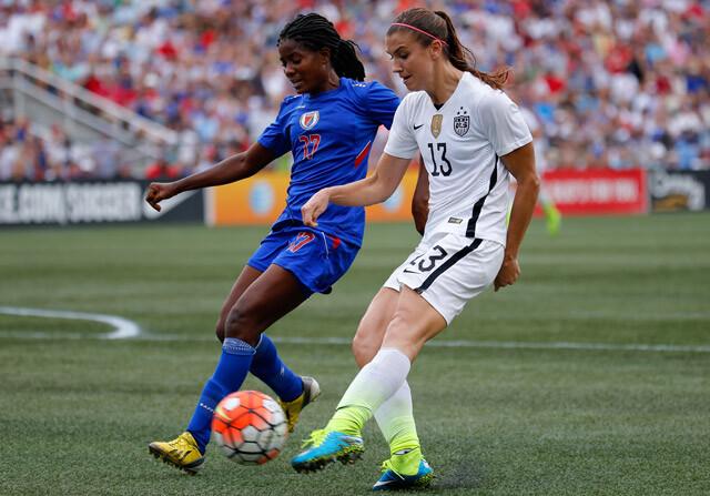 Alex Morgan, con la selección femenina de los Estados Unidos