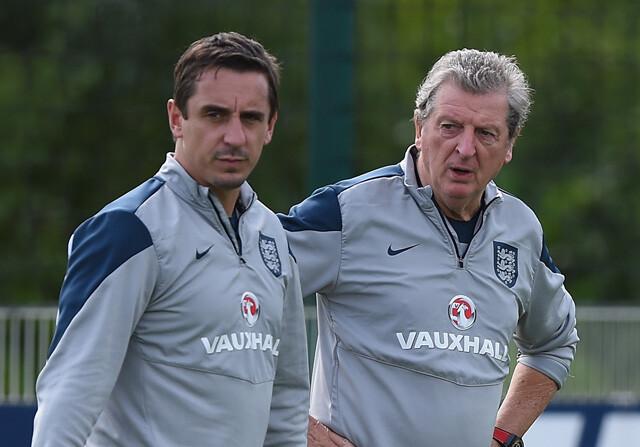 Gary Neville y Roy Hodgson