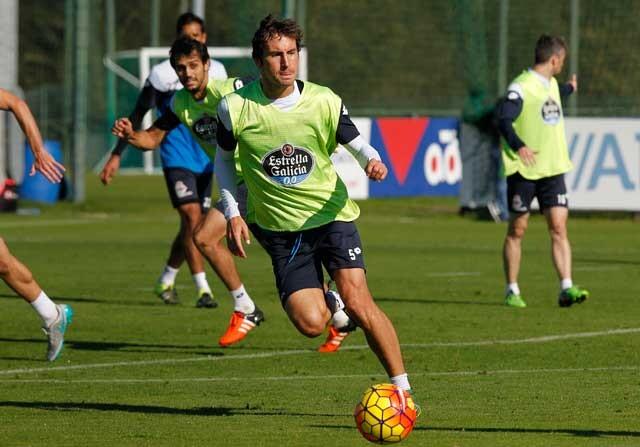 Pedro Mosquera, en un entrenamiento con el Deportivo
