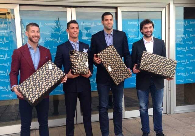 Cristiano Ronaldo, Sergio Ramos, Sergi Llull y Felipe Reyes llevan regalos a niños hospitalizados