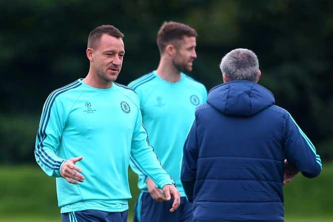 terry en un entrenamiento con mourinho