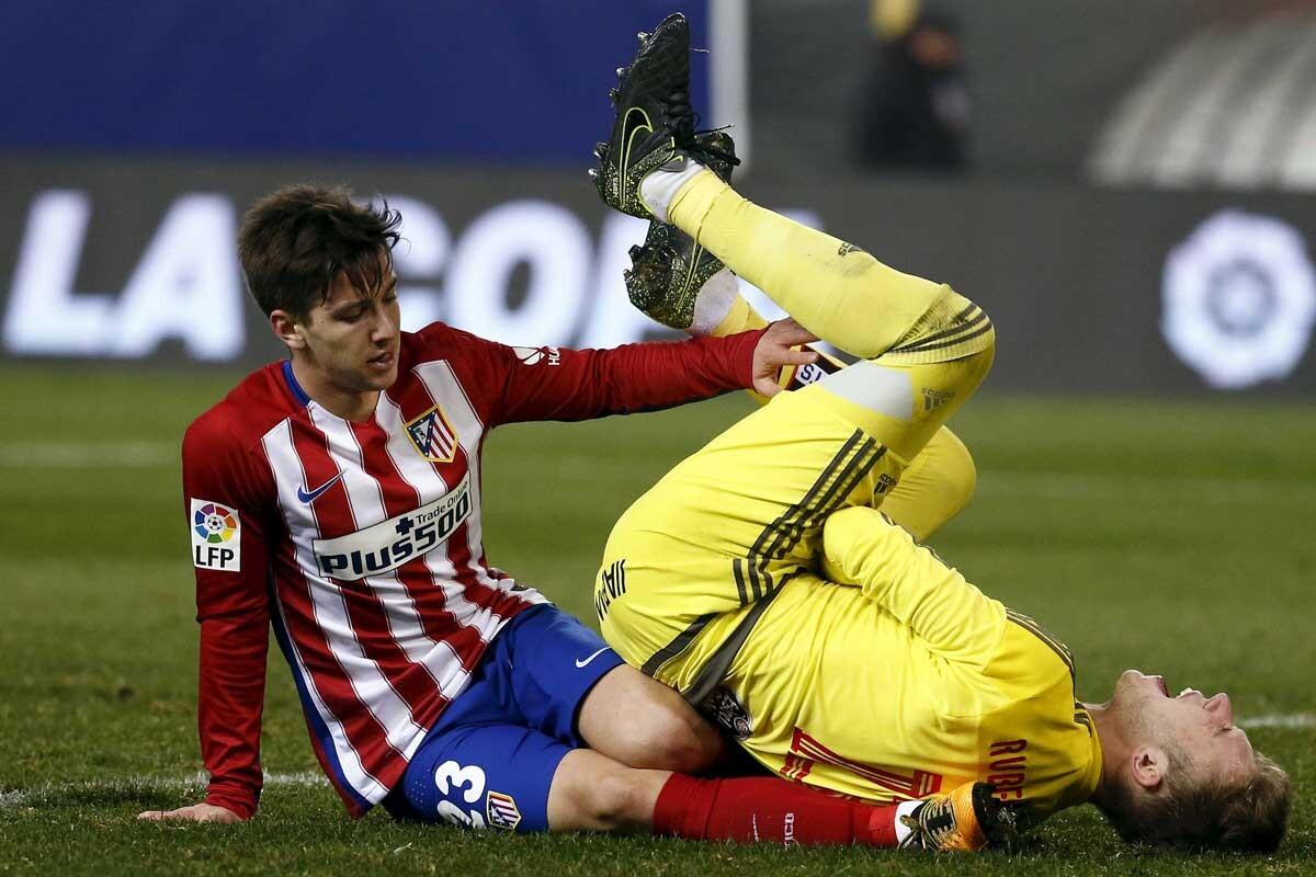 Luciano Vietto golpea a Rubén Blanco