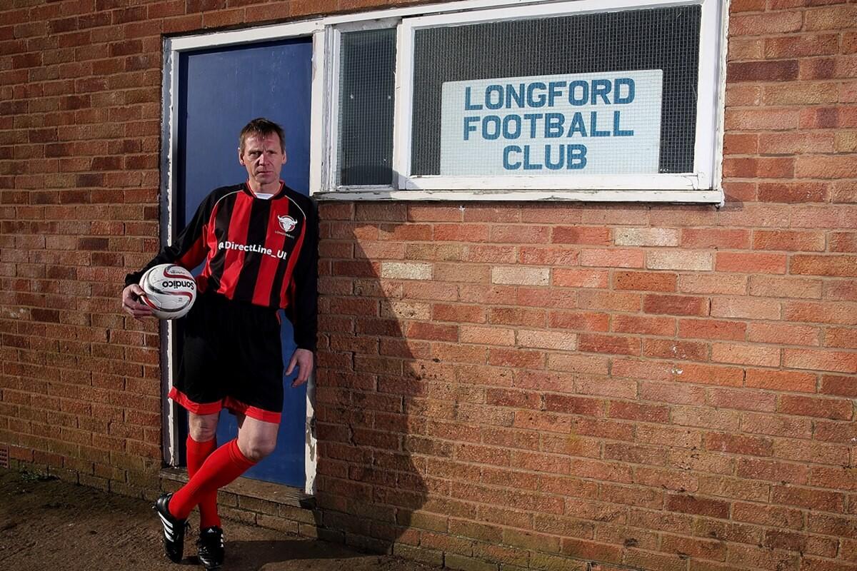 Stuart Pearce ficha por el Longford AFC