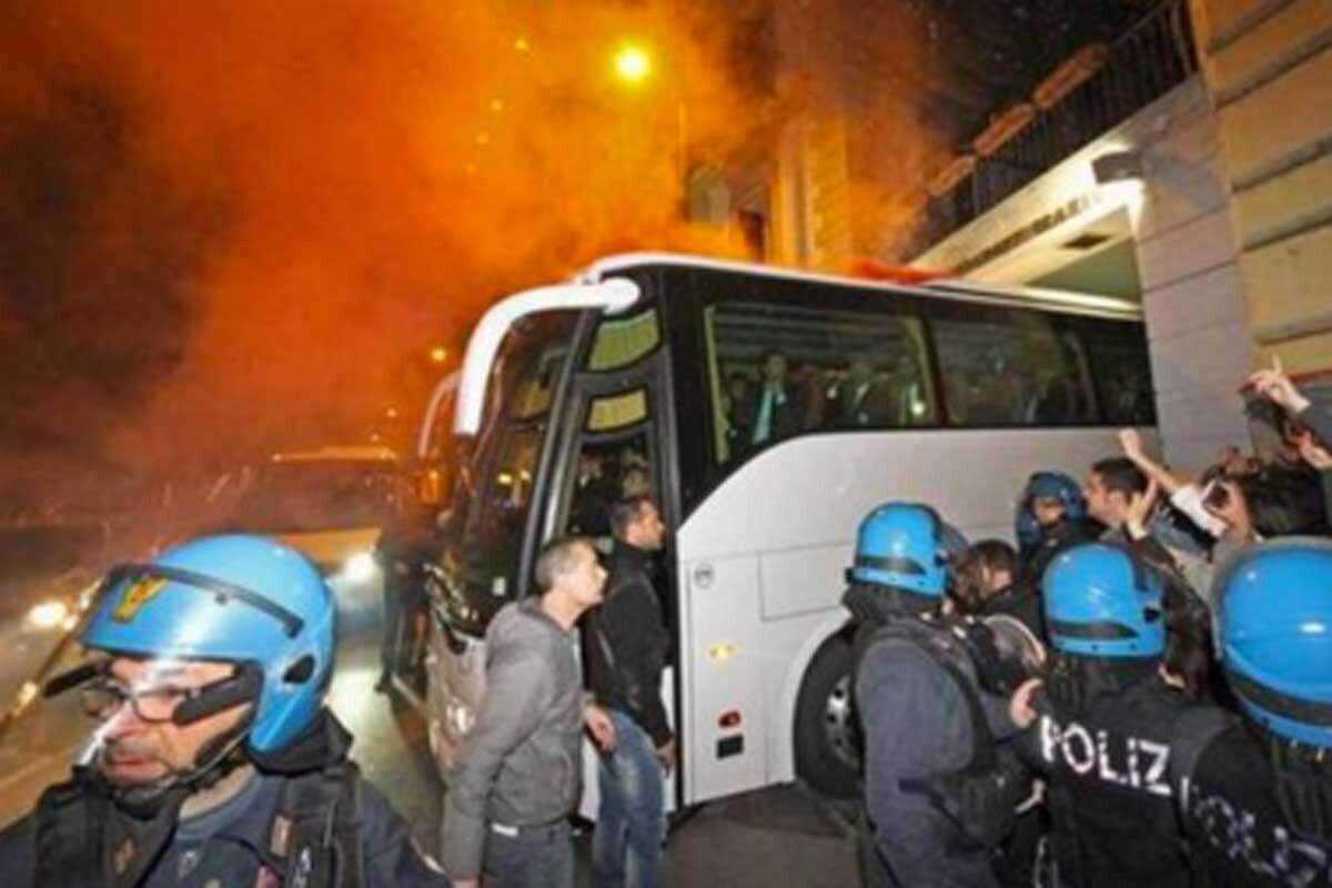 El autobús de la Juventus, atacado con una carta bomba