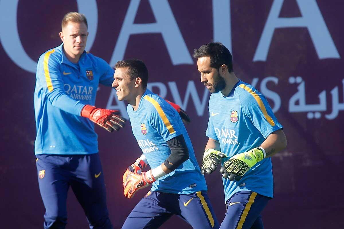 Claudio Bravo y Ter Stegen se disputan la portería del FC Barcelona