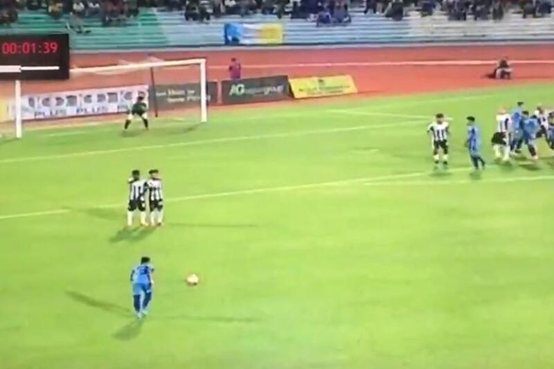 Gol falta malasia de Faiz Subri