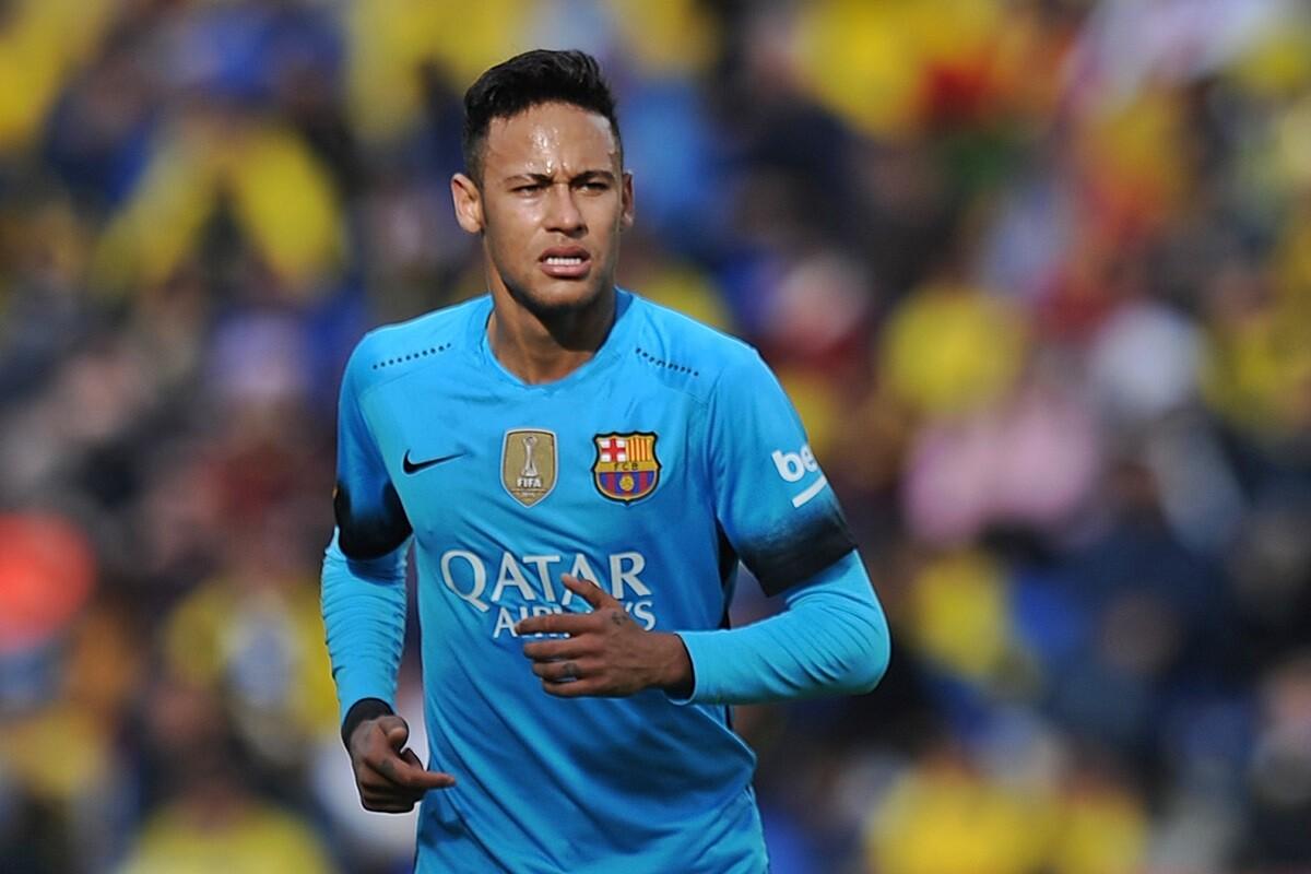 Neymar renueva con el FC Barcelona