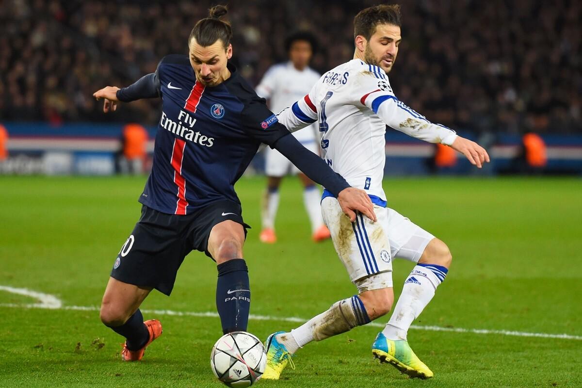 Zlatan Ibrahimovic y Cesc Fabregas tuvieron un roce tras el partido