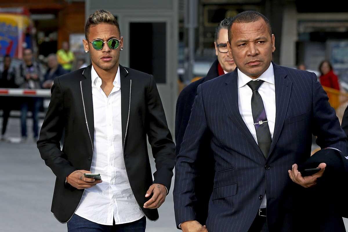 Neymar es jugador del FC Barcelona