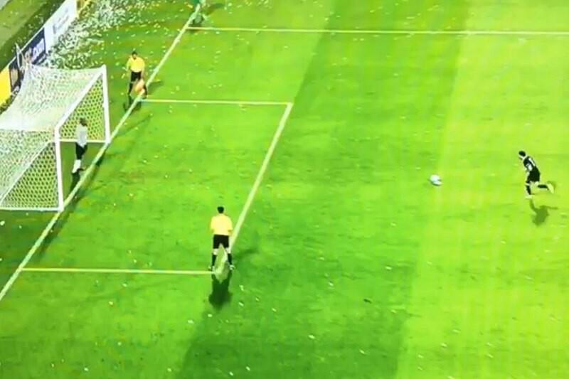 xavi fallaun penalti con el Al Sadd