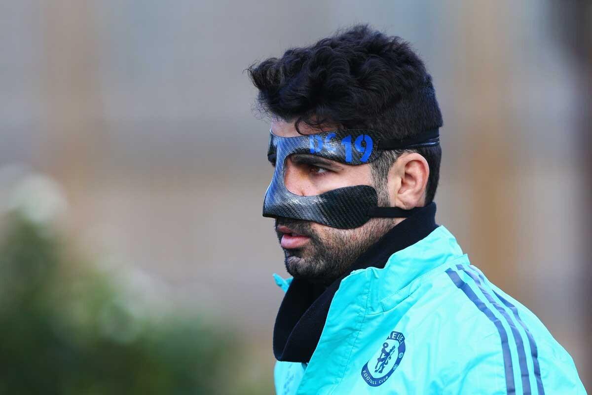 Diego Costa, señalado por su máscara