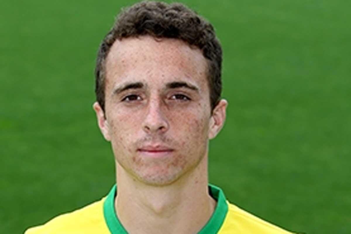 El joven extremo firma por cinco temporadas