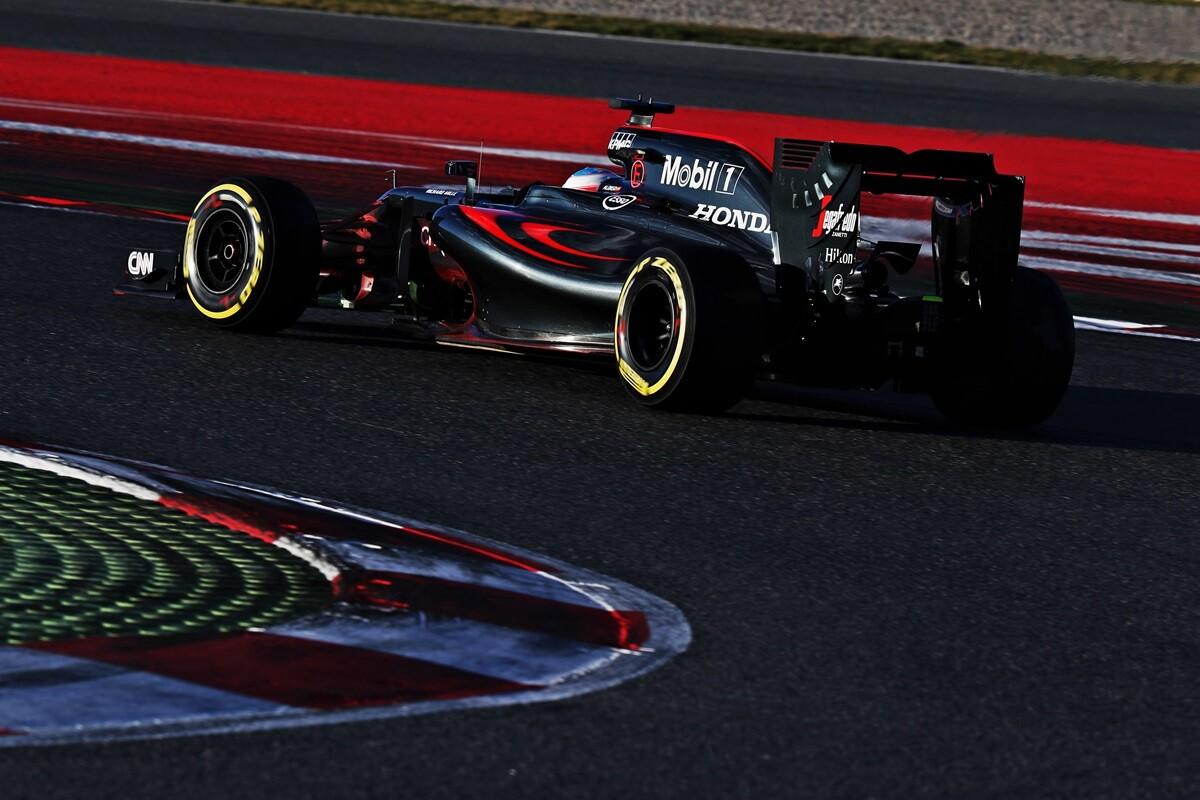 Fernando Alonso habla del rendimiento de McLaren en los test de Barcelona de F1