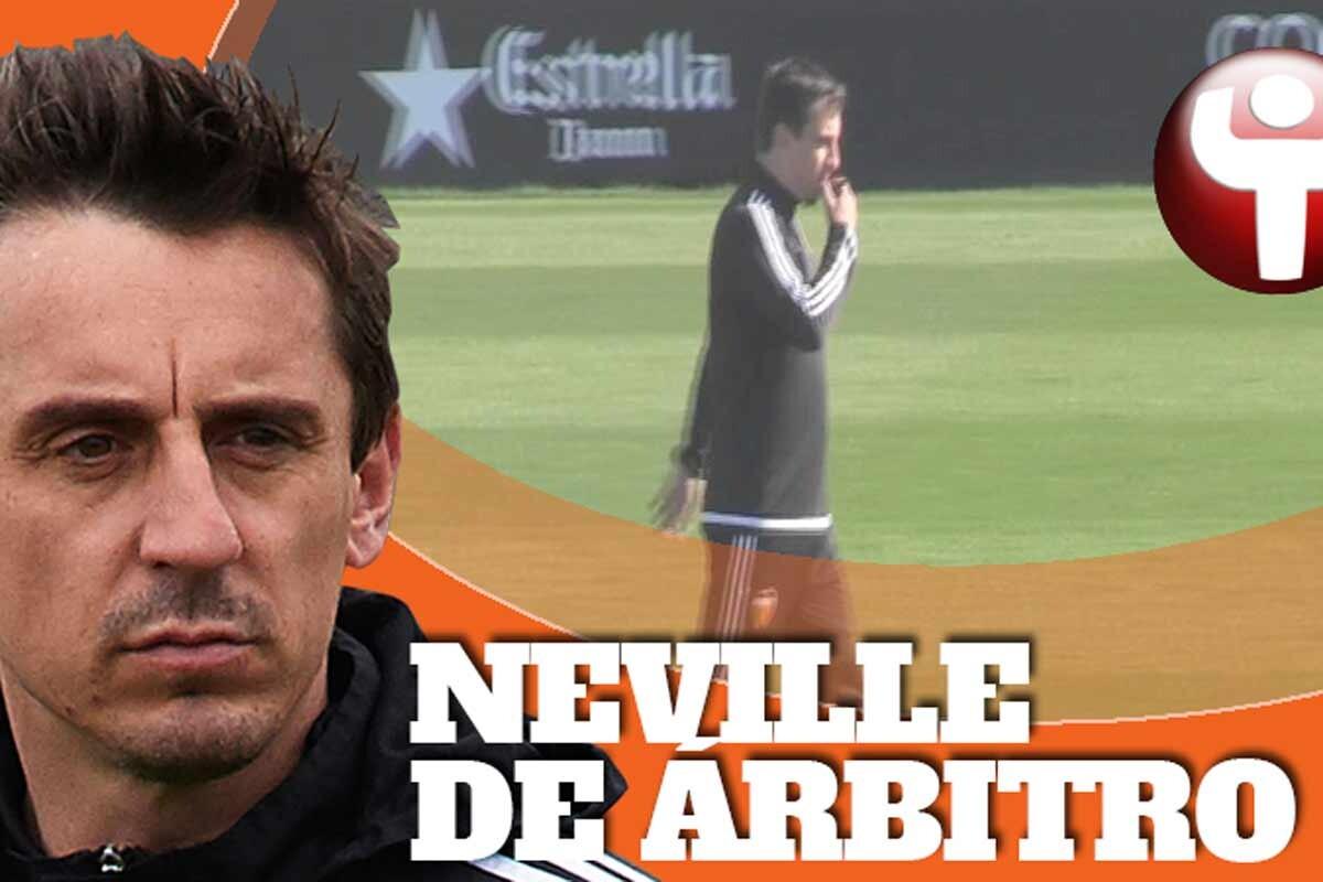 El técnico del Valencia dirigió un encuentro entre el primer equipo y el filial