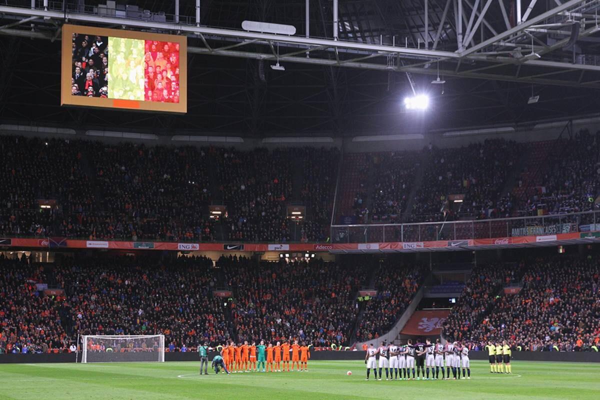 Holanda Francia, homenaje a Johan Cruyff