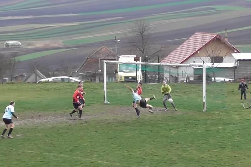 Polémica en Italia por un partido de la cuarta división de Roma y un gol ilegal