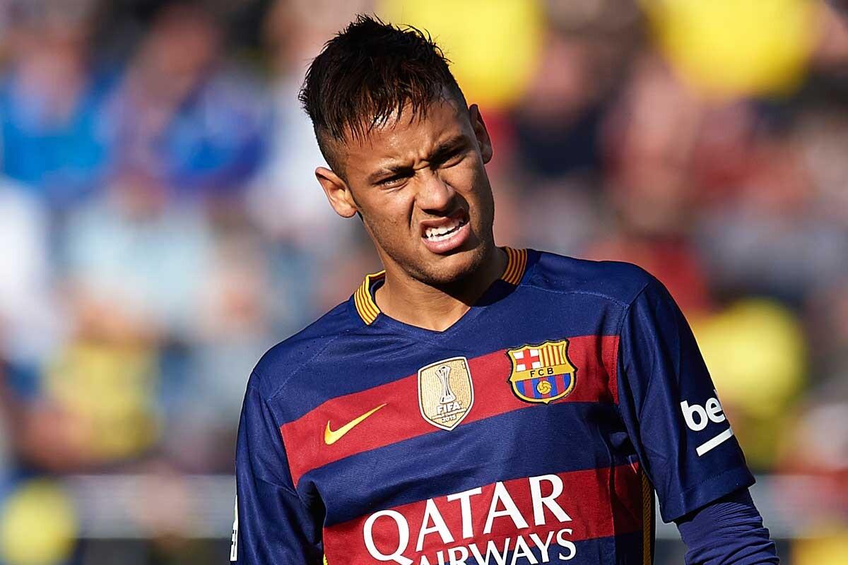 Roberto Soldado y Neymar se las tuvieron tiesas durante el Villarreal-Barcelona